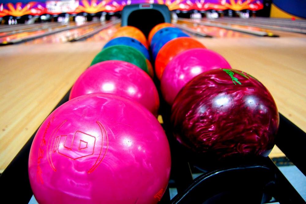 Valentine bowling club