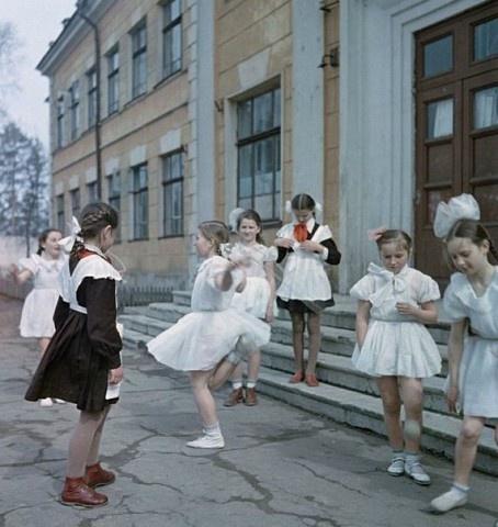 девочки-общественницы