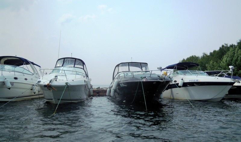 катера на озере