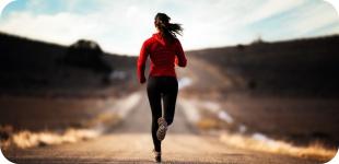 Чем полезен бег по утрам и как себя мотивировать на этот подвиг.
